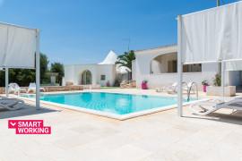 Villa d'Itria with trullo and pool