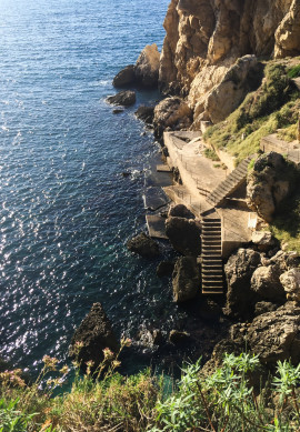 Una Scogliera sul Mare con Piscina by Wonderful Italy