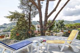 Villetta delle Rose con giardino a Rapallo