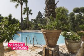 Fontana Villa Resort con piscina e campo da tennis
