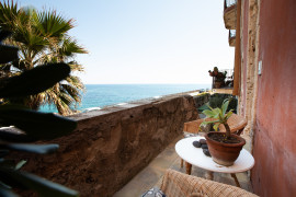 Charming seafront room in Ortigia