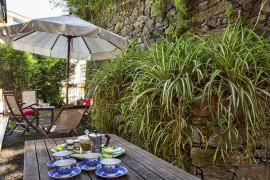 Relax in giardino a due passi dal porto