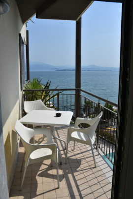 Residenza Miralago with pool - Studio apartment with lake view