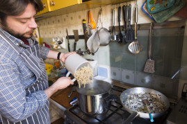 Sicilian cooking class with market tour and lunch
