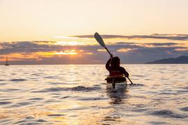 Sunset Kayak tour Portofino con guida e aperitivo in spiaggia