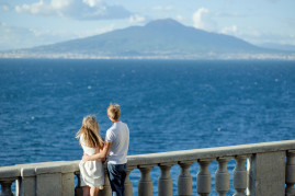 Wonderful love escape: weekend of enchantment in Naples for 2
