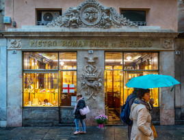 Ligurian flavors in Genoa, tour of the most ancient Italian confectionery