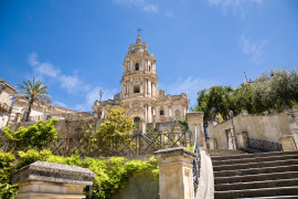 Taste of the king of Modica chocolate in historical gardens