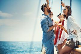 Tramonto in barca a vela e aperitivo al largo di Siracusa