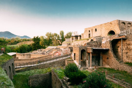 Pompeii and Vesuvius, full day tour with transfer from Naples