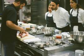 Cooking class in Riviera di Chiaia con degustazione di vini campani