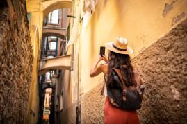 Photo tour of Genova with aperitivo