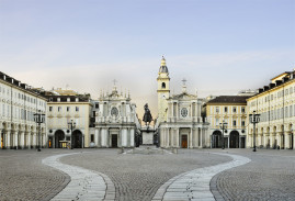 The elegant Italian Living room: walking tour of Turin