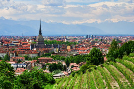 Visit Villa della Regina with wine tasting at the only panoramic urban vineyard