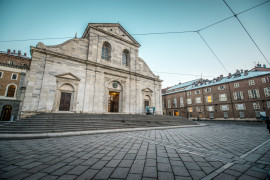 Turin Essential: Squares, Royal Palace and Chapel of the Holy Shroud