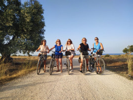 Bike tour among the olive trees of the Upper Salento
