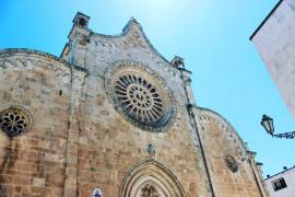 La Cattedrale di Ostuni ed i palazzi contigui